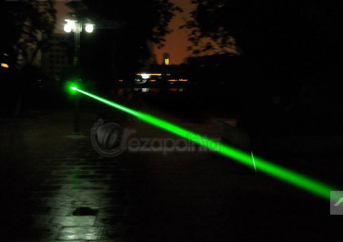 200mW グリーン小型レーザー懐中電灯