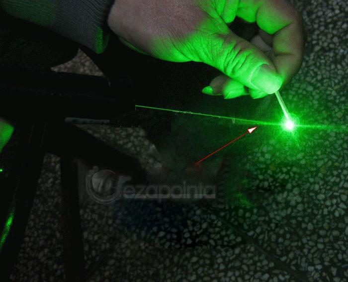 緑 レーザー指示棒