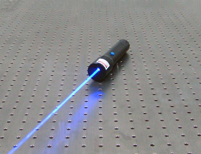 5000mw 447nm&640nm 青色光、赤い光、ピンク光多彩レーザーポインター