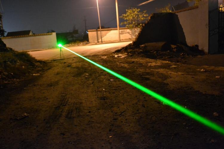 グリーン小型レーザー懐中電灯