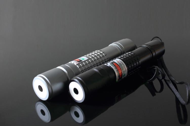 200mW 懐中電灯式レーザーポインター レッド