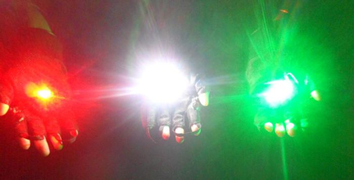 手袋緑色レーザー