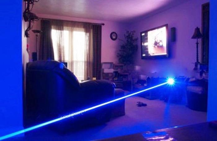 レーザーポインター集光