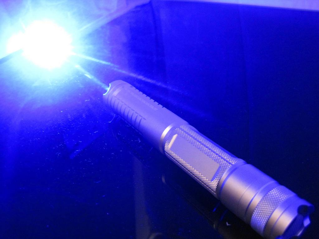 青色レーザーポインター 2w