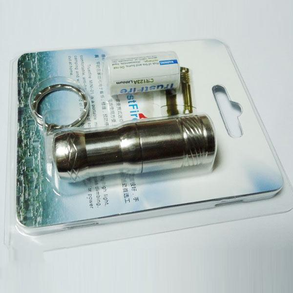 懐中電灯 携帯型