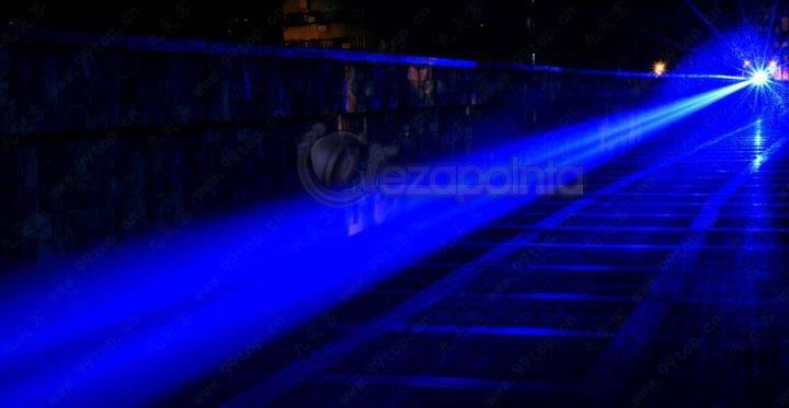 超高出力レーザーポインター