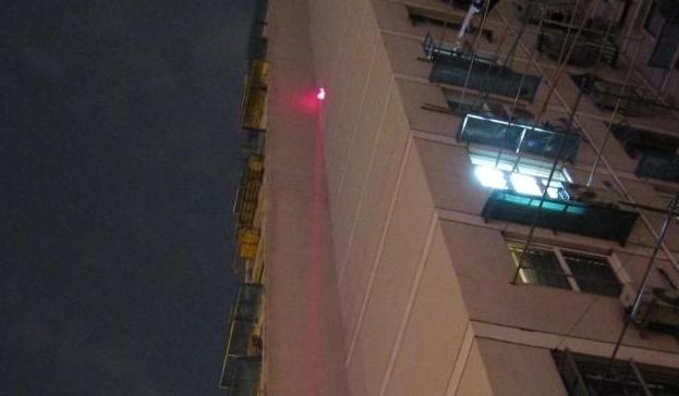 赤色100mw レーザーポインター