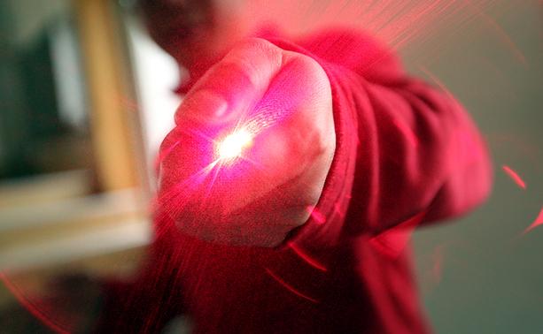 強力赤いレーザーポインター