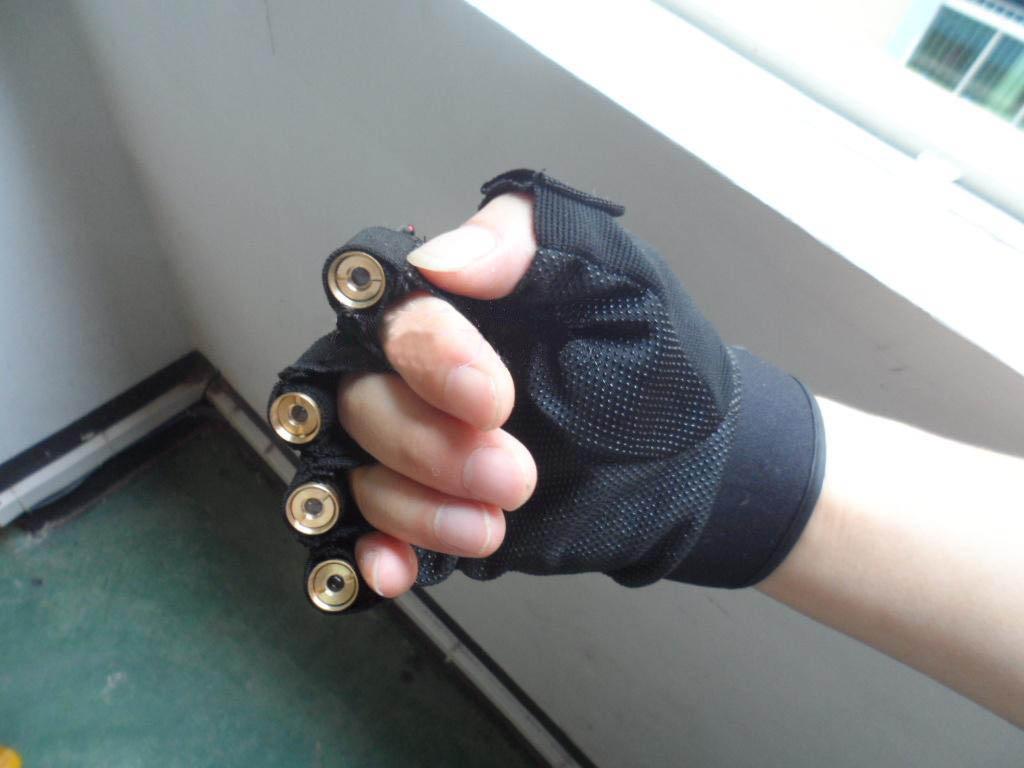 赤レーザー 光線手袋
