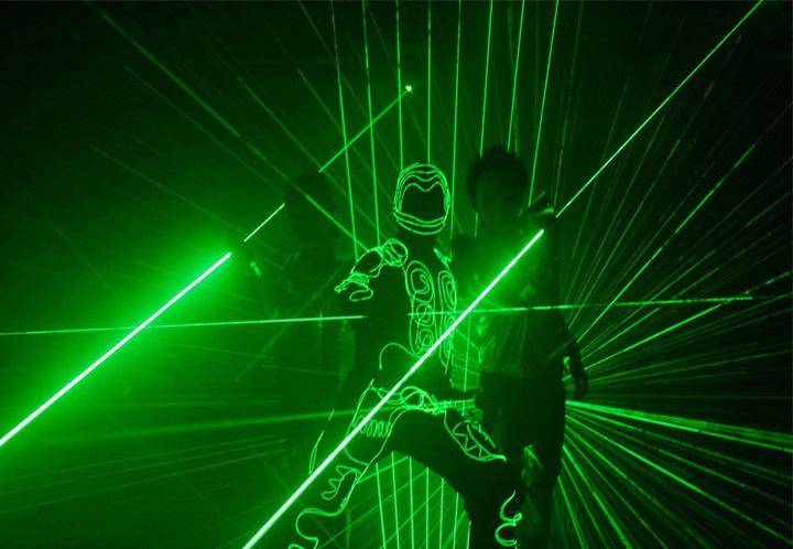 緑光レーザーソード